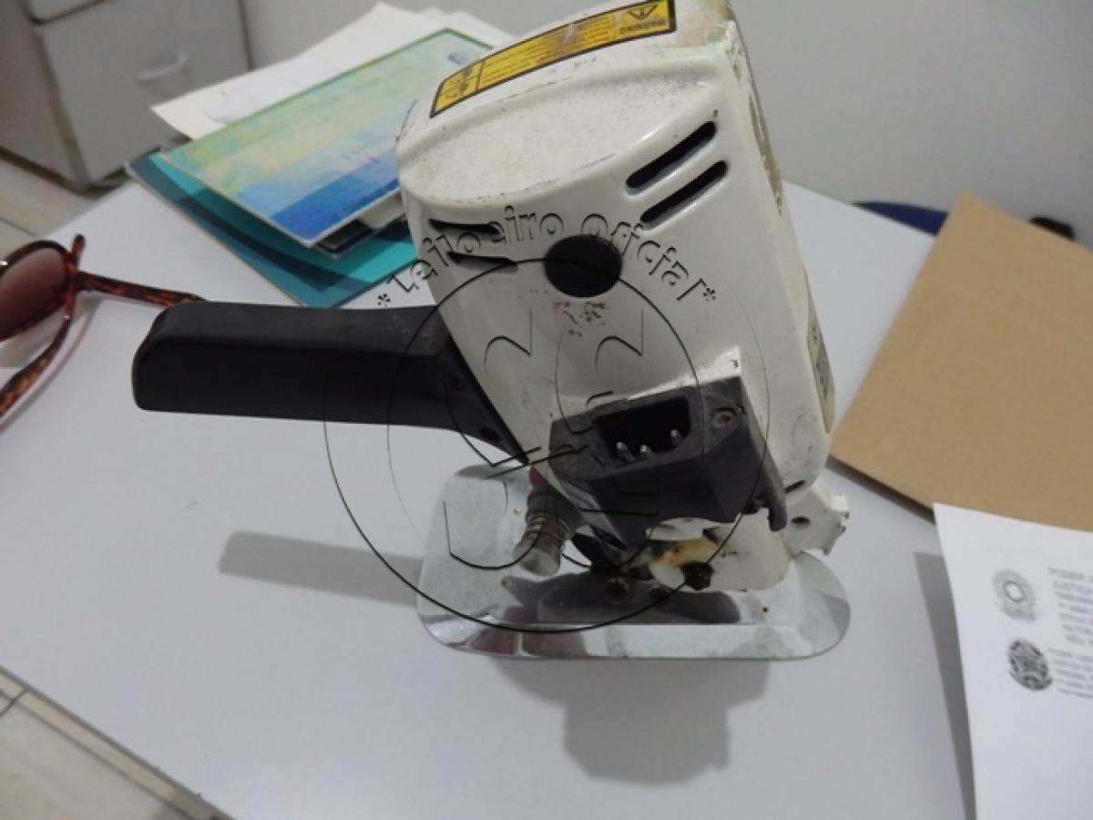 Uma máquina de corte Sun Special 100