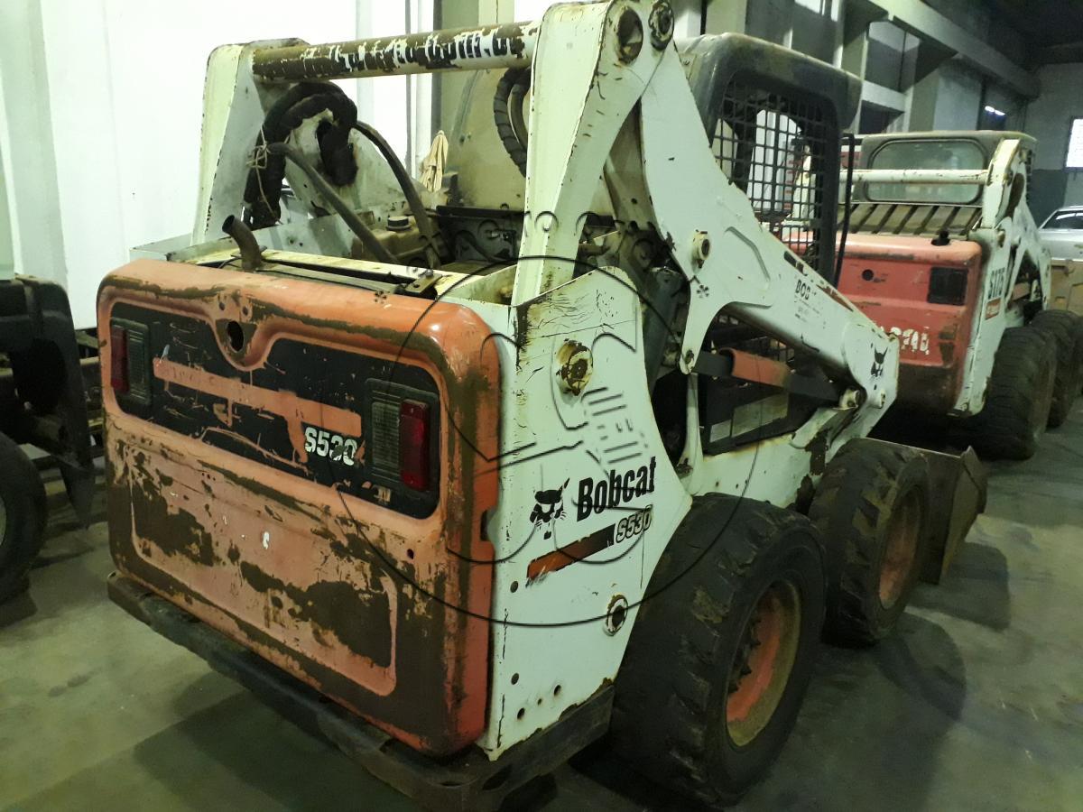 Carregadeira de Direção Deslizante Bobcat S530, ano 2014