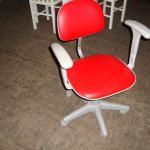 Cadeira giratória, cor vermelha